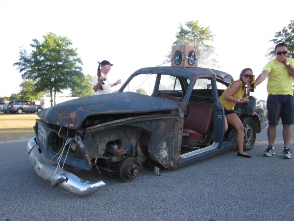 Volvo Amazon Judgemobile after lug-nut incident