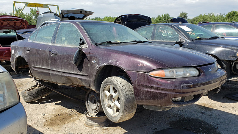 2004-oldsmobile-alero-final-500-in-colorado-wrecking-yard-photo-by-murilee-martin